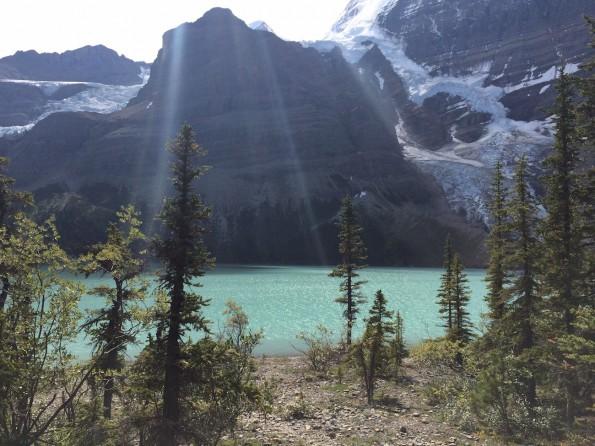 Perfekte Symbiose: Ausblick auf Mount Robson und Berg Lake (Foto: Lisa Feldmann)