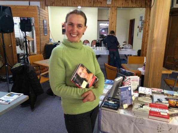 Maria Lerch begeistert die Bewohner von Valemount jedes Jahr mit ihrer Buchausstellung.