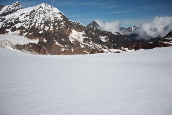 Spektakuläres Bergpanorama und trockener Pulverschnee: Die Lage der Valemount Glacier Destination.